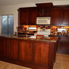 Traditional Kitchen by CKBR
