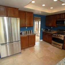 Traditional Kitchen by Dreamworks Remodeling