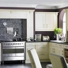 Modern Kitchen by Freddy