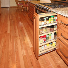 Traditional Kitchen by Rosseland Construction,  Inc