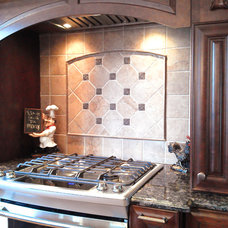 Traditional Kitchen by Schilling