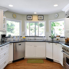 Contemporary Kitchen by PREFERRED HOME BUILDERS INC