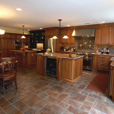 Traditional Kitchen by Design Build Pros