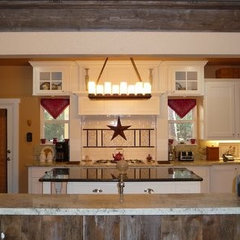 traditional kitchen by AARCON Construction and Remodeling