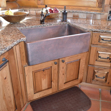 Mid Sized Rustic U Shaped Kitchen Design Ideas Remodels