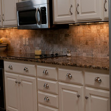 Traditional Kitchen by Classically Yours Interiors (CYInteriors)