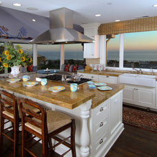 Beach Style Kitchen by Hartung Construction, Inc.