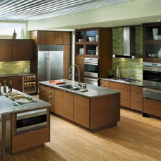 Contemporary Kitchen by Towne & Country Design, Inc