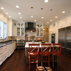 Modern Kitchen by Rabbit Runn Designs, Nancye Lewis-Overstreet