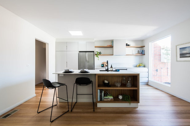 Contemporary Kitchen by embracingspace