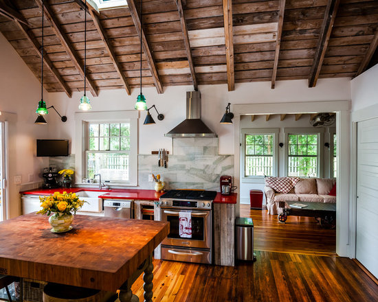 25 best farmhouse kitchen ideas houzz. beautiful ideas. Home Design Ideas
