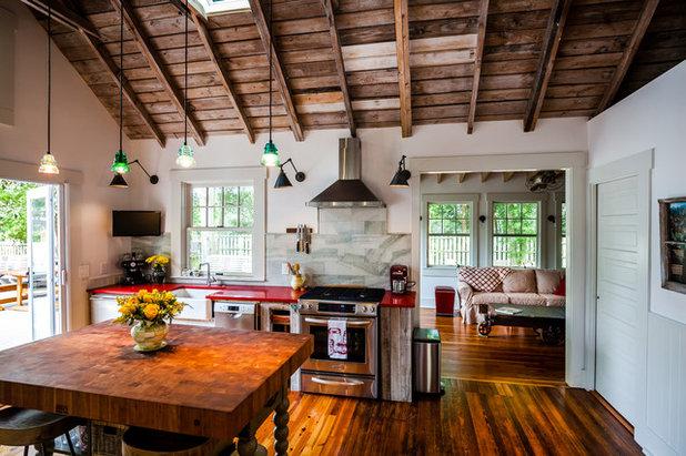 Country Kitchen by Dandeneau Architecture P.L.L.C.