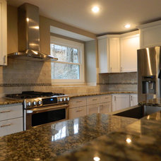 Traditional Kitchen by Dill Enterprises Inc.