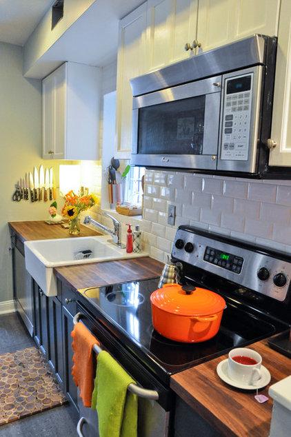 Contemporary Kitchen by CM Glover