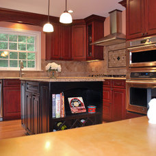 Traditional Kitchen by Lapides Construction  (Kirkwood, MO)