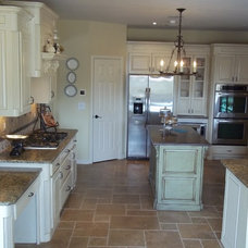 Traditional Kitchen by Pierce Remodeling Group