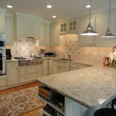 Traditional Kitchen by Master Plan Interiors, Inc.