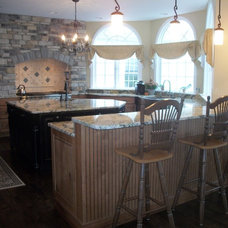 Traditional Kitchen by Cabinet-S-Top