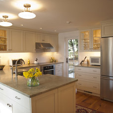 traditional kitchen by Nautilus Architects LLC