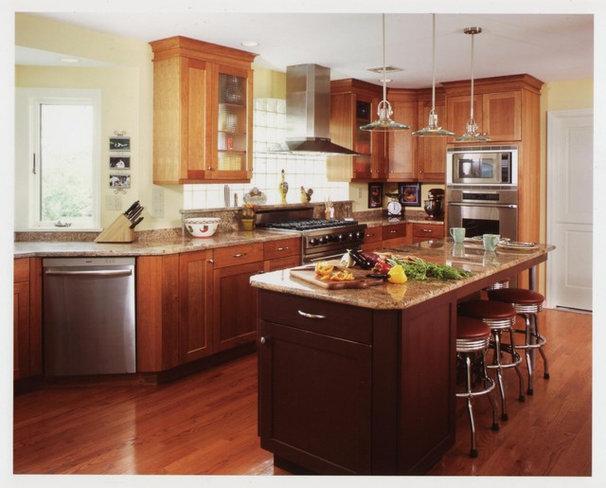 Contemporary Kitchen by Patricia B. Warren, AIA   Warren Architecture, LLC