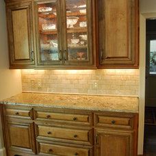 Traditional Kitchen by R LUCAS Construction and Design