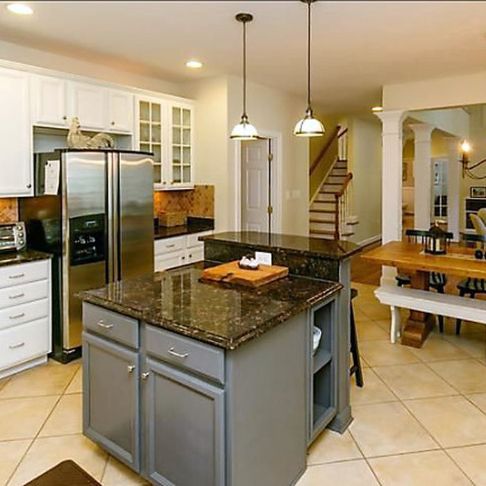 Raised Breakfast Bar Kitchen | Annapolis, MD