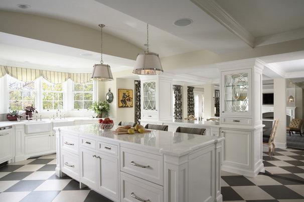 Traditional Kitchen by RLH Studio