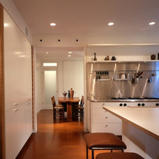 Modern Kitchen by Robbins Architecture