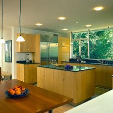 Modern Kitchen by Rockefeller Partners Architects