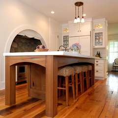 traditional kitchen by AMI Designs