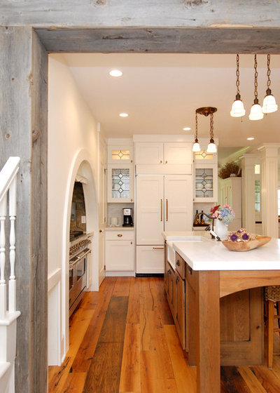 Rustic Kitchen by AMI Design