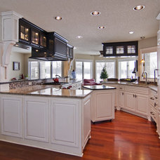 Modern Kitchen by Schrader & Companies
