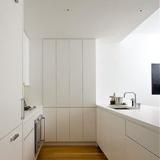 Contemporary Kitchen by Sean O'Brien Architecture