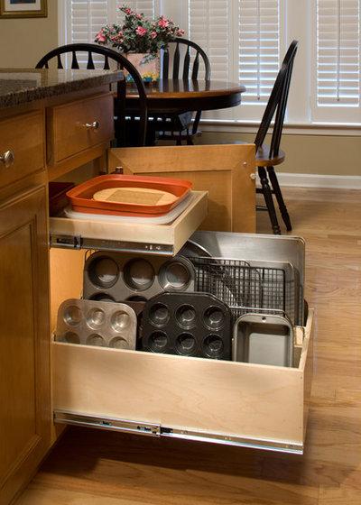 Contemporary Kitchen by ShelfGenie of Northern Atlanta