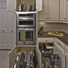 Traditional Kitchen by ShelfGenie of Northern Atlanta