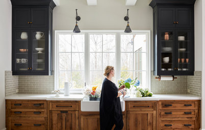 5 Farmhouse-Style Kitchens With Wood Cabinets