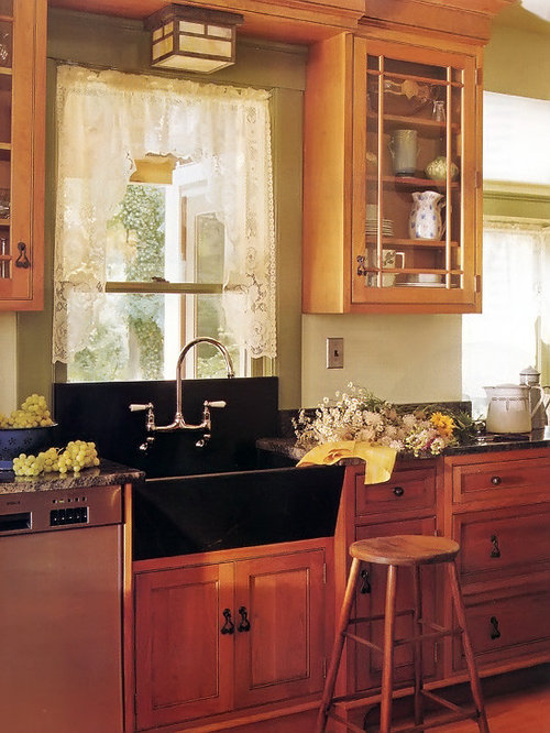 Low window in kitchen home design ideas pictures remodel for Traditional kitchen curtains