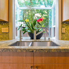 Tropical Kitchen by Bill Fry Construction - Wm. H. Fry Const. Co.