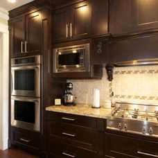 Traditional Kitchen by Sonbuilt Custom Homes Ltd.