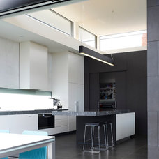 Contemporary Kitchen by Steve Domoney Architecture