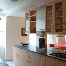 Modern Kitchen by studiohw   Heather Weiss