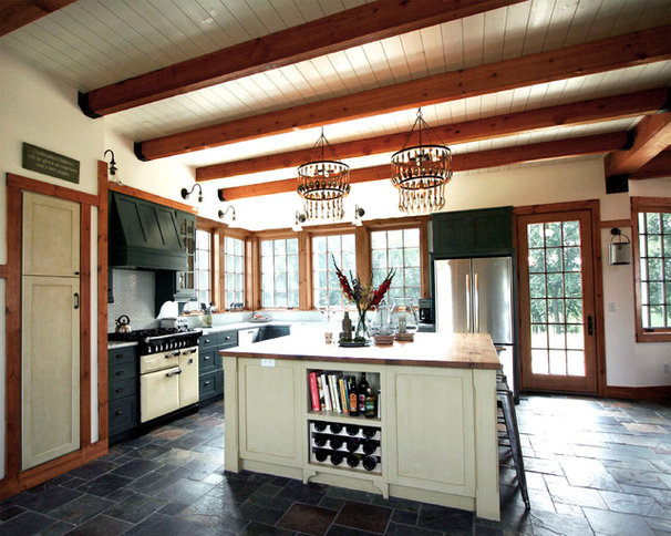 Traditional Kitchen by Sullivan, Goulette & Wilson Ltd. Architects