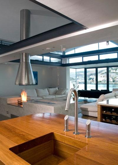 Contemporary Kitchen by Artichoke