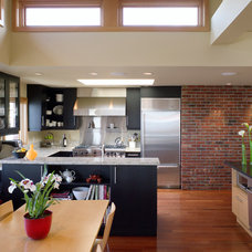 contemporary kitchen by Thielsen Architects, Inc. P.S.