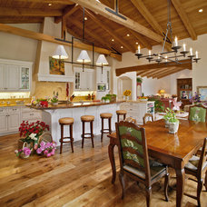Traditional Kitchen by Tom Meaney Architect, AIA