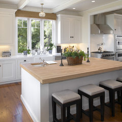 modern kitchen by Tom Meaney Architect, AIA