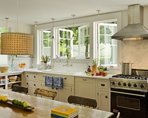 Inspiration For A Timeless Eat In Kitchen Remodel In Burlington With A  Drop In
