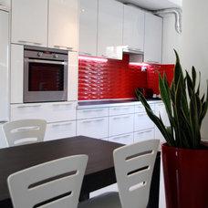 Contemporary Kitchen by Lakberendezés trendMagazin - lakbermagazin