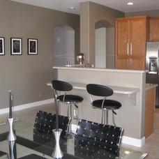 Contemporary Kitchen by Streamline Interiors, LLC