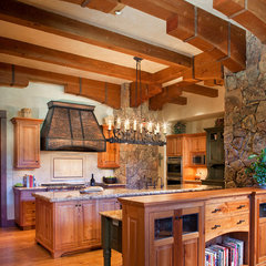 traditional kitchen by Vertical Arts